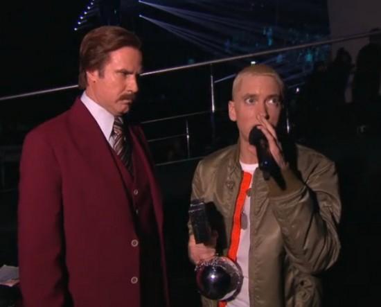 Eminem выступил на MTV EMA 2013 Rap God Berzerk