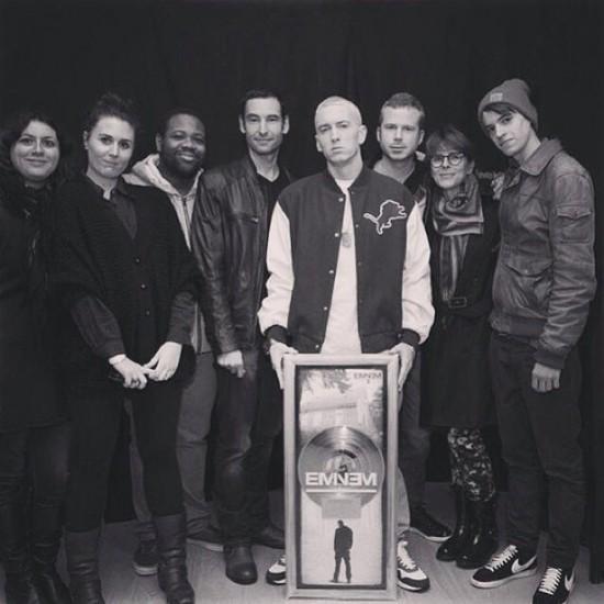 2013.11.20 - Eminem MMLP2 получил пратиновый статус