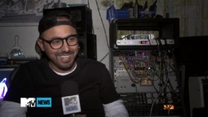 Интервью битмэйкера трека «Rap God». MTV News
