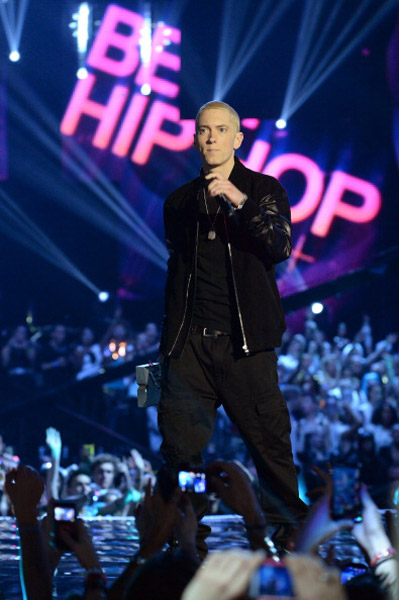 Eminem Performs Berzerk and Rap God At MTV EMA