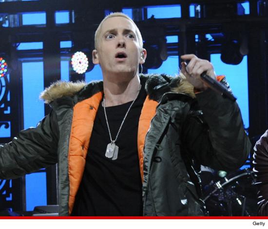 Eminem на SNL: фонограмма или честная помощь?