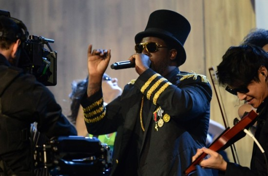 T-Pain performs at the 2013 YouTube Music Awards, November 3, 2013 in New York City