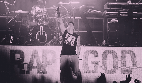 Выступление Eminem'a на Squamish Valley Music Festival