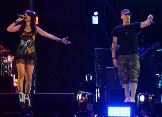 Eminem и Rihanna на The Monster Tour (Rose Bowl 7 августа 2014)