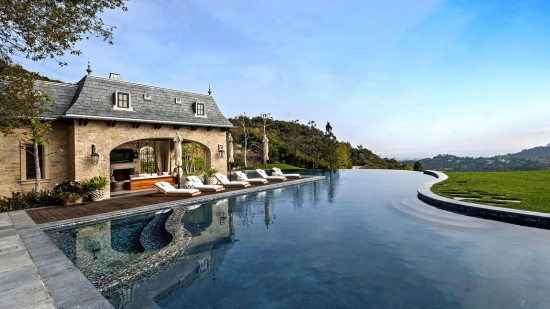 Dr. Dre adding mammoth music studio under his Brentwood mansion