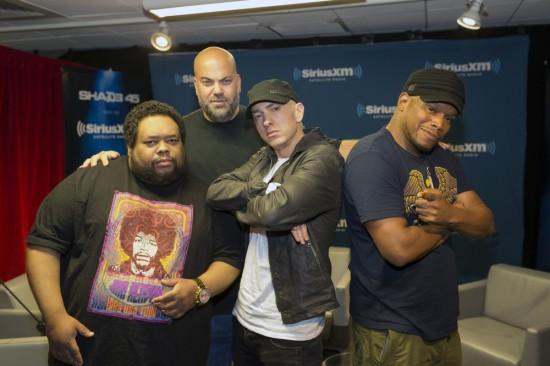 Eminem упомянул Кейтлин Дженнер и Майли Сайрус в своём фристайле