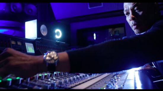 Dr. Dre выпустил новый трек «Naked»