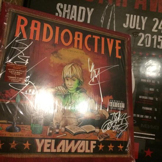 Подписанный Yelawolf Bones Owens и DJ Klever винил Radioactive