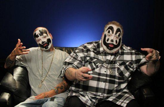Shaggy 2 Dope и Violent J из Insane Clown Posse показывают родителям, что происходит, если вы неправильно избавляетесь от красок, содержащих свинец