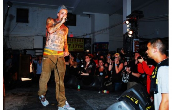 Slaughterhouse и Yelawolf live at Shady Records Brisk Bodega 2011 17 сентября