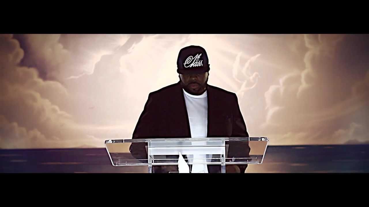 Трейдер клипа Crooked I — «Praise God»