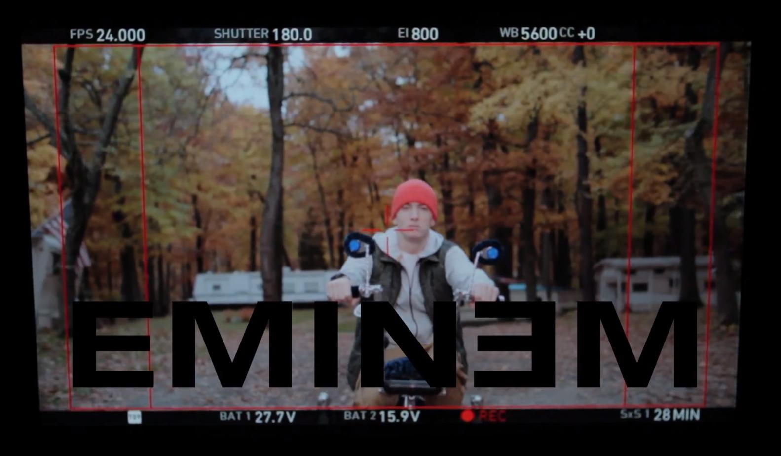 Видео со съёмок клипа Skylar Grey и Eminem — «C'mon Let Me Ride»