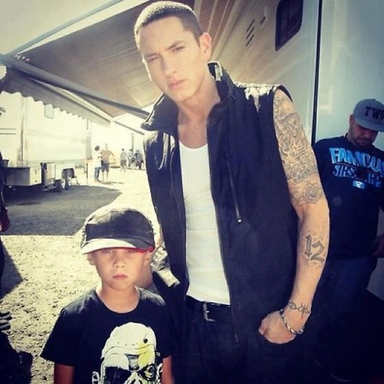 Фотографии со съёмок клипа Skylar Grey и Eminem'a C'mon Let Me Ride