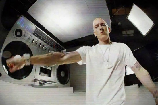 2013.11.16 - Eminem дал интервью на BBC Radio
