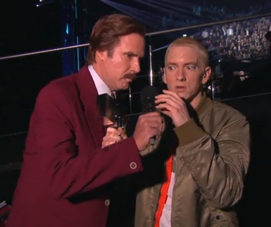 Eminem выступил на MTV EMA 2013 Rap God Berzerk