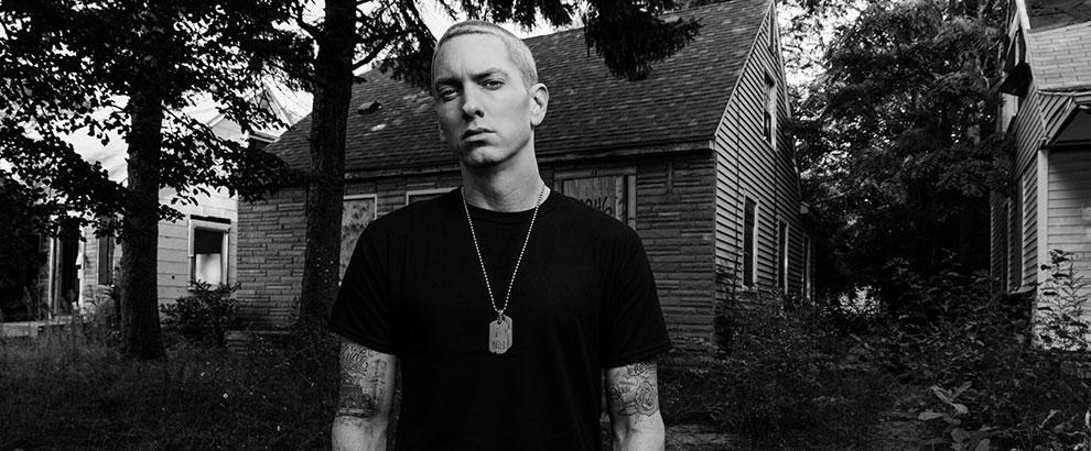 2013.11.01 - Eminem Returns The Billboard Cover Story