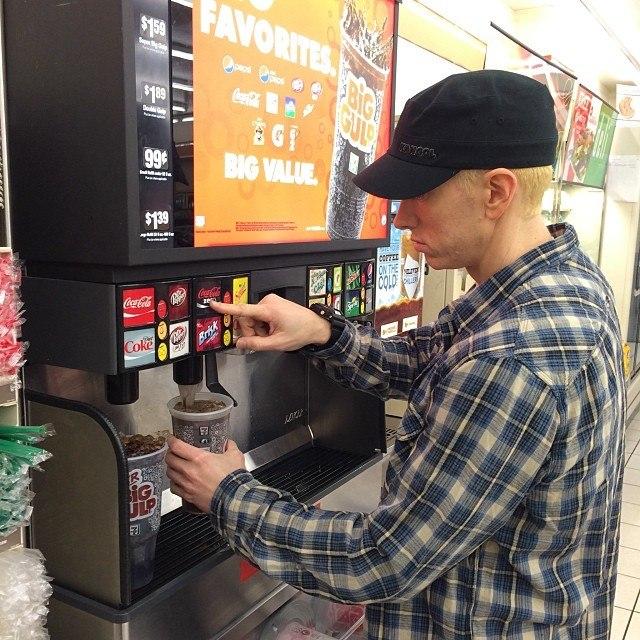2014.01.28 - Paul Rosenberg - Он вернулся (Eminem)