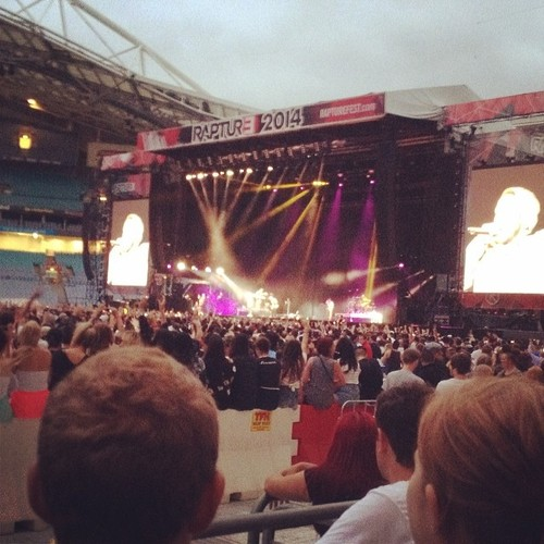 2014.02.22 - 03 - Eminem Rapture 2014 Sydney Australia, ANZ Stadium - Kendrick is warming is up before my hubby
