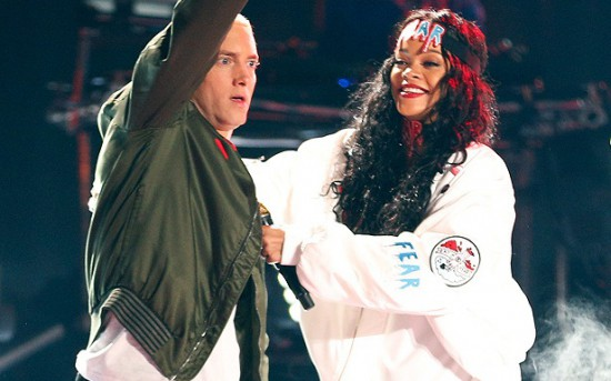 Eminem и Rihanna выступают на MTV Movie Awards 2014 The Monster