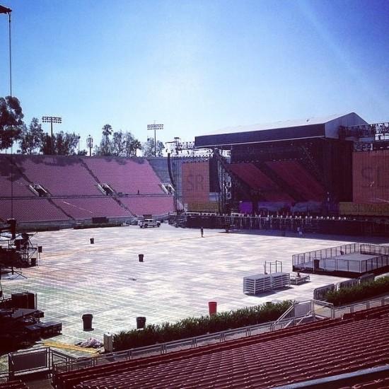 2014.07.08 - Подготовка сцены The Monster Tour