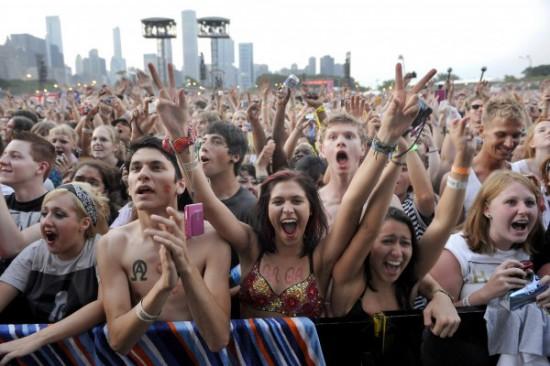 Lollapalooza fans 2011 Eminem