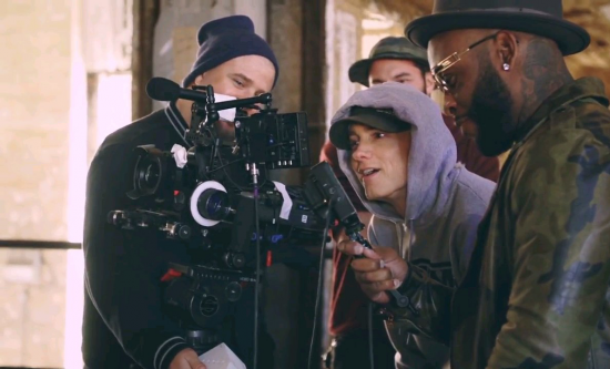 2014.12.18-Eminem-CXVPHER-Behind-The-Scenes