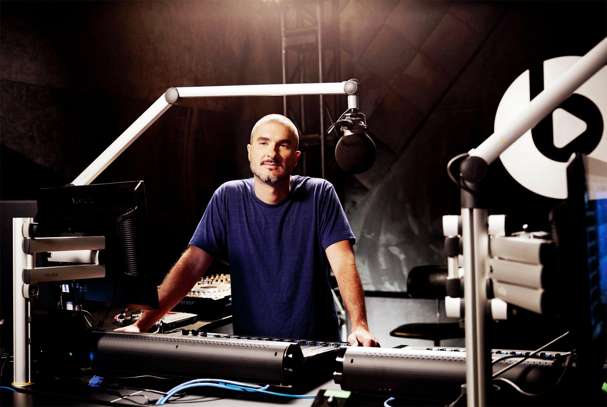 Eminem VS Zane Lowe: Интервью на Beats 1