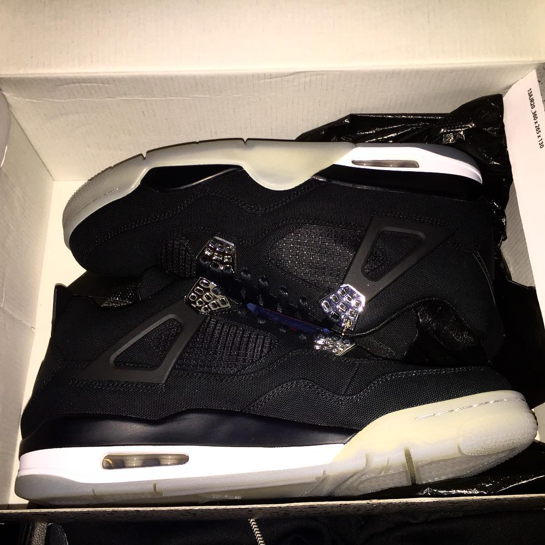 Eminem Christmas Air Jordan IV 3