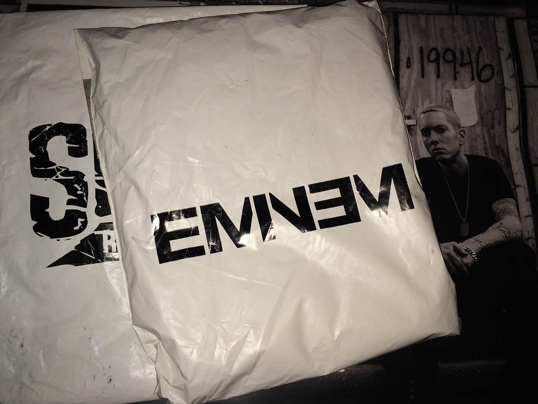 Новая упаковка Eminem и Shady Records для мерчендайза