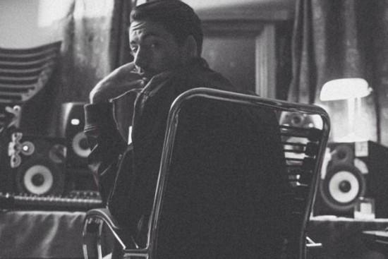 Продюсер Майкл Кинэн сообщил, что Eminem связался с ним чтобы поработать над новой песней