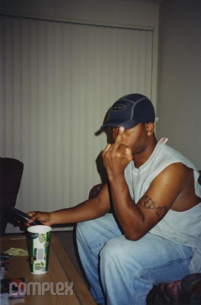 Royce в корпоративной квартире Eminem'а, Burbank, Калифорния (Июнь 1998) Фотография Noah Callahan-Bever