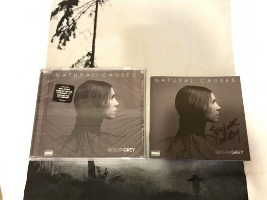 [Распаковка] Автограф-версия альбома Skylar Grey «Natural Causes»