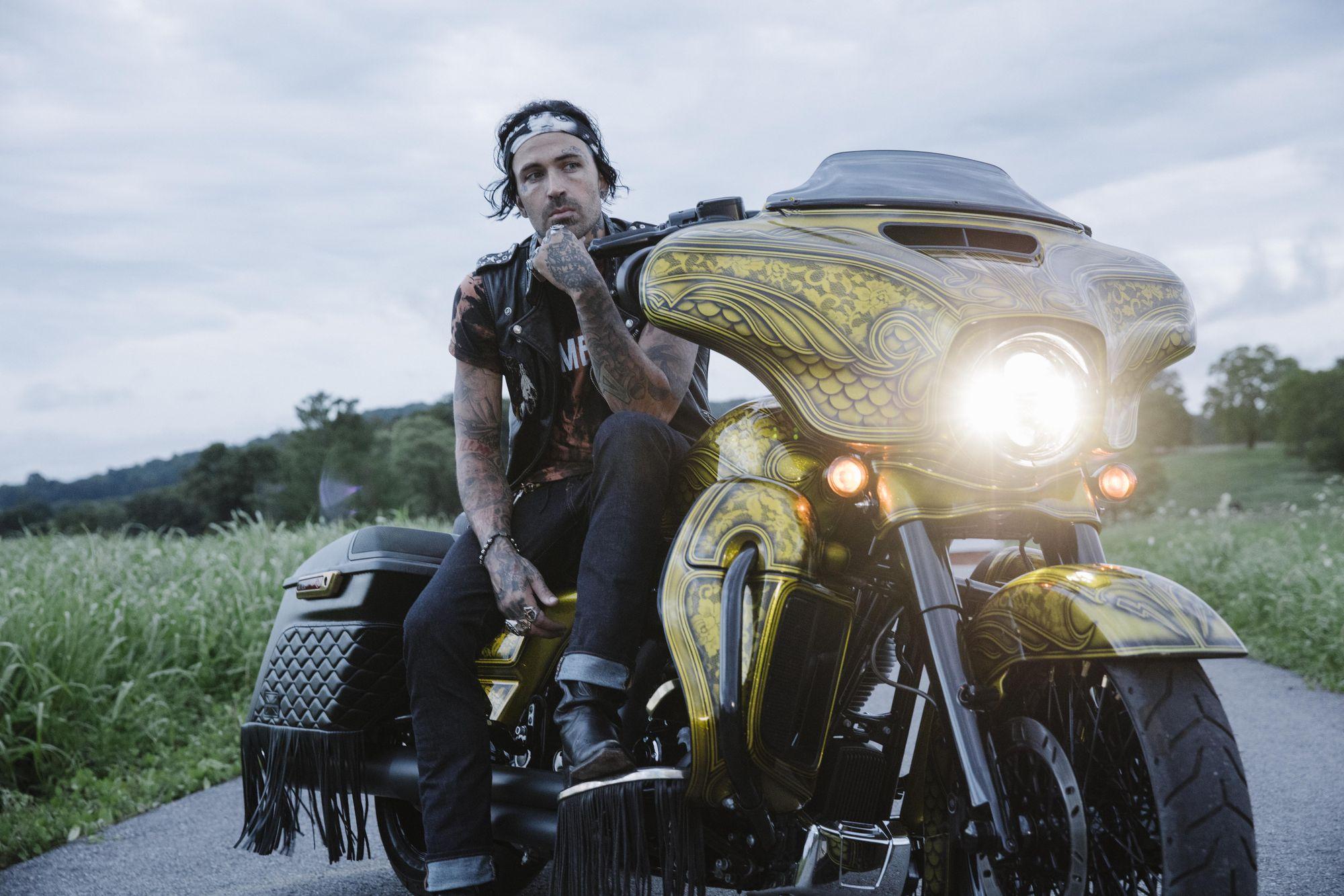 Yelawolf – Икона байкеров. Перевод интервью для Hot Bike от #Yelavision