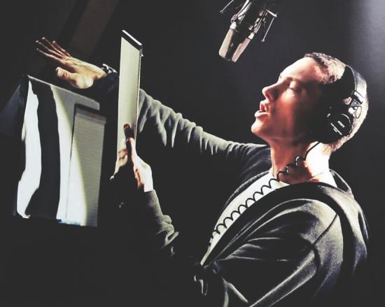 Продюсер Fredwreck опубликовал вокал из новой песни Эминема