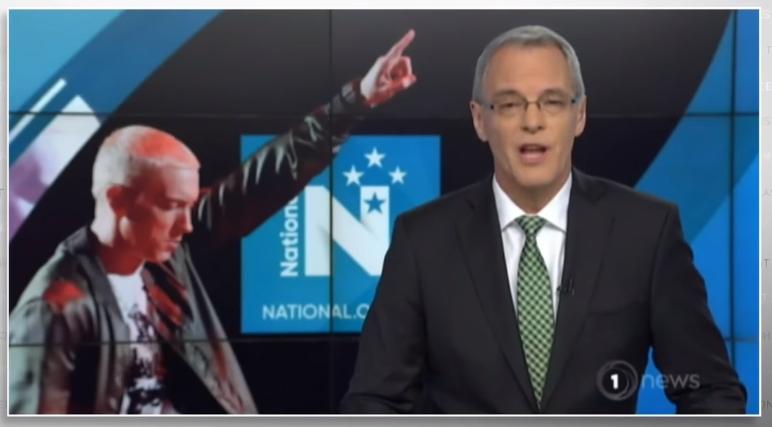 John Oliver снова прокомментировал судебный процесс Eminem'а против политической партии Новой Зеландии