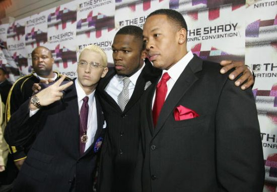 50 Cent заставил 30,000 толпу кричать «Slim Shady» и «Dr. Dre»
