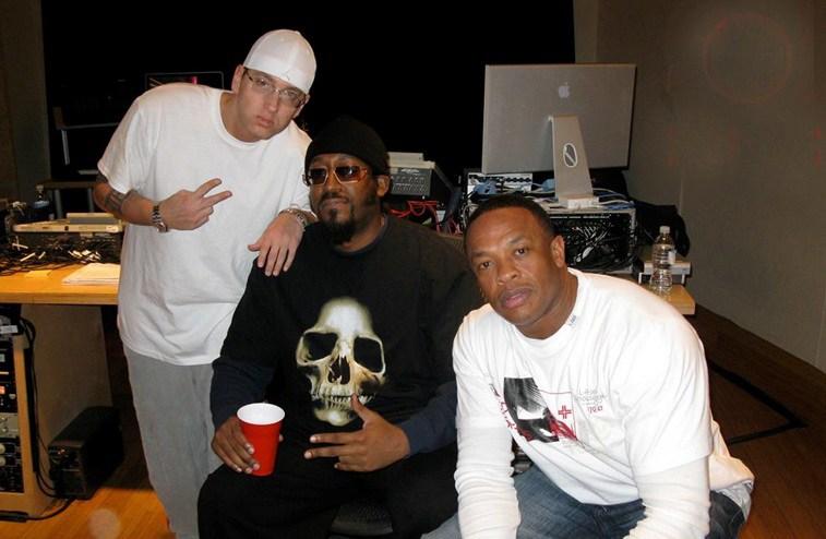 Eminem может провести встречу с продюсером Mark Batson
