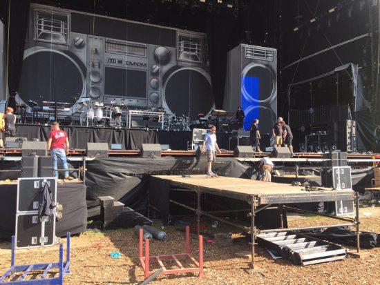 Подготовка сцены для Major Lazer на Leeds Festival 2017, сцена день третий, Юлия Подольская