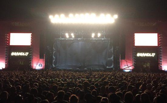 Чёрный занавес Eminem на Reading Festival 2017
