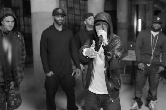 Появится ли Эминем на BET Hip Hop Awards 2017 сегодня вечером, чтобы зачитать фристайл? 2011