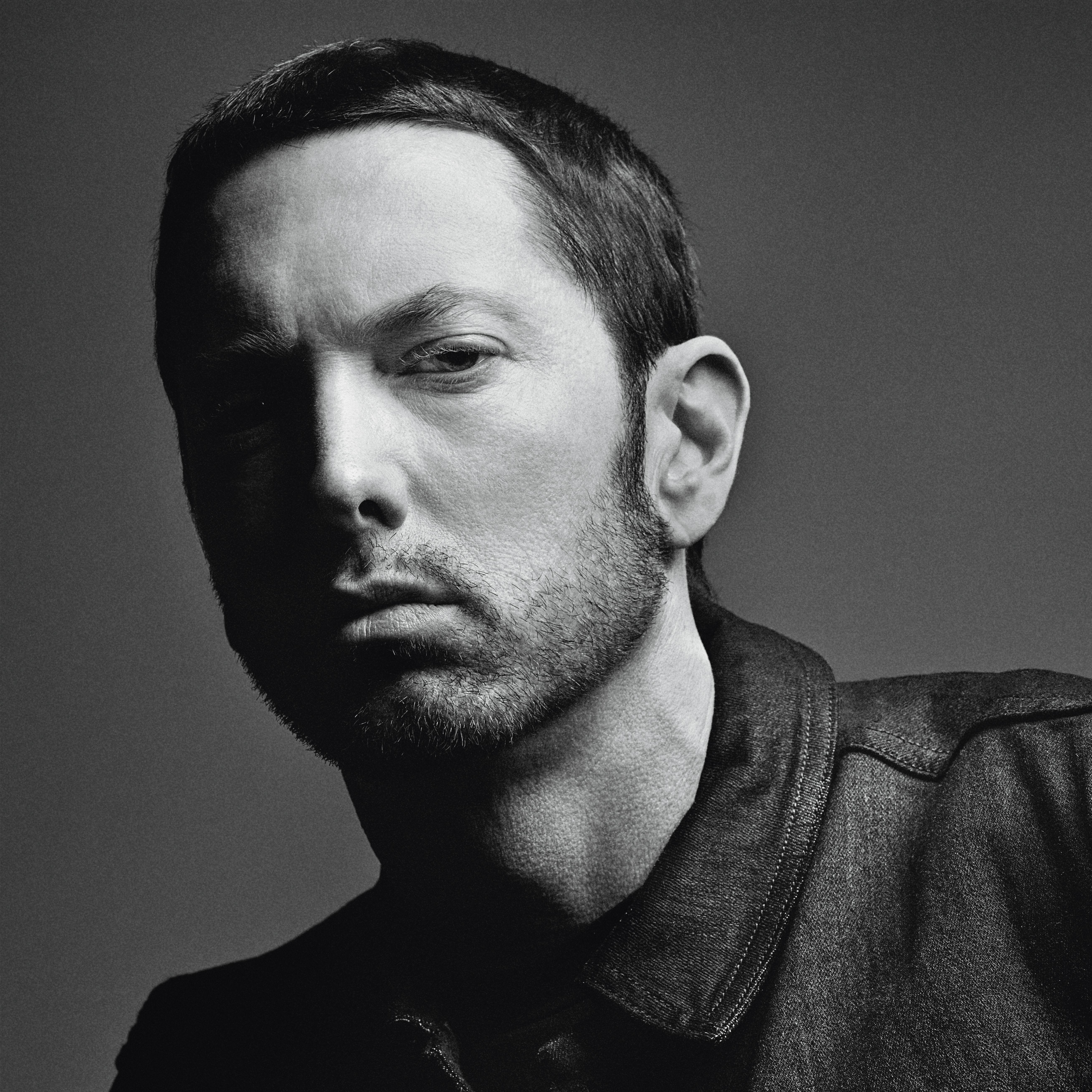 [Мировая премьера] Eminem feat. Beyonce — «Walk On Water» (Первый сингл с девятого студийного альбома)