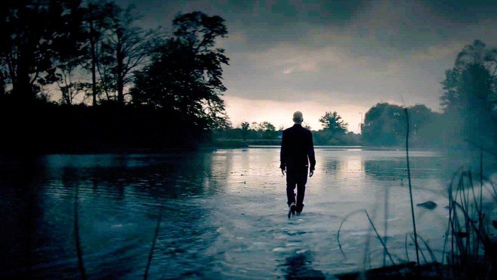 Walk on Water Eminem идёт по воде