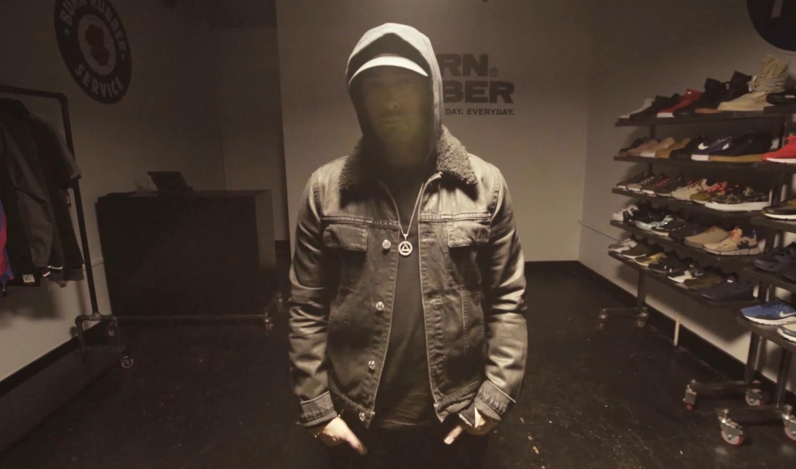 Eminem отправился за кроссовками вместе с журналом Complex