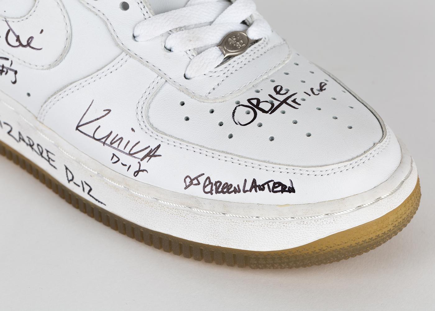 Eminem x StockX: Маршалл рассказывает о своих кроссовках, которые пожертвовал на аукцион