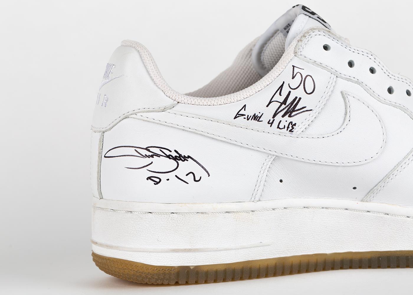 0ae8f8412517dd Eminem приготовил перевыпуск легендарных кроссовок Jordan 4 Encore ...