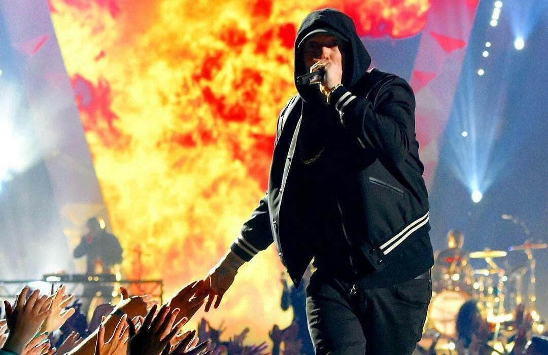 Огненное явление Эминема на церемонии вручения премии iHeartRadio Music Awards 2018
