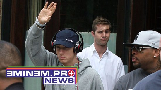 June 22, 2010 - New York, New York, USA -   . . . . .   June 22 2010, New York City Rapper Eminem leaving his downtown hotel on June 22 2010 in New York City.