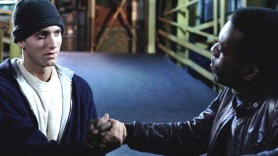 8 Миля: что скрывается за каждым рукопожатием в фильме