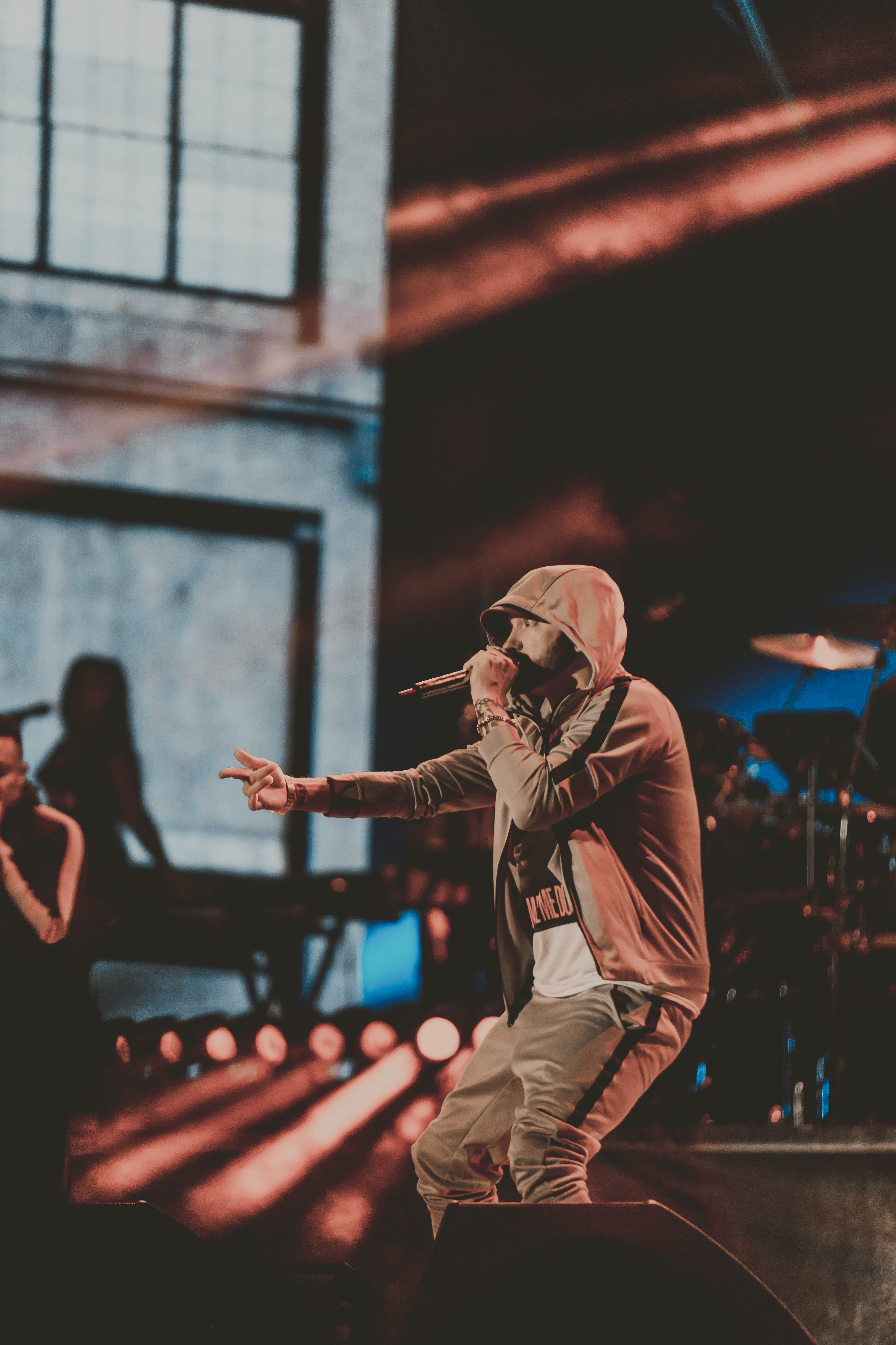 Этот прекрасный фотоотчёт с концерта Эминема на фестивале Bonnaroo 2018 прислал в редакцию «Eminem.Pro» фотограф Crhristian Sarkine