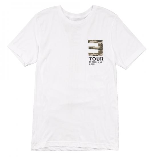 EM-SMMR18.USA-EUR CAMO E T-SHIRT Белая футболка с небольшим логотипом тура Эминема на груди и датами концертов на спине.